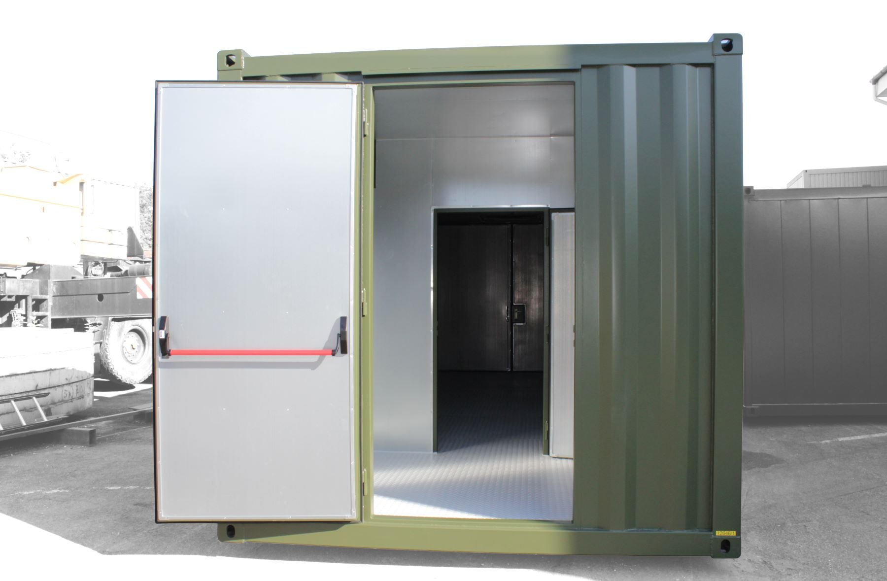 ABS intec - Technikcontainer Technikontainer Paniktuer mit Buegel Trennwand kl - Elektro-Container